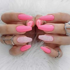 43 Beautiful Nail Art Designs for Coffin Nails Glossy Pink Coffin Nails 43 Beautiful Prom Nails Beautiful Nail Art nail designs and ide Pink Nail Art, Pink Acrylic Nails, Pink Nails, Glittery Nails, Pink Sparkly Nails, Glitter Manicure, Nail Art Designs, Acrylic Nail Designs, Nails Design