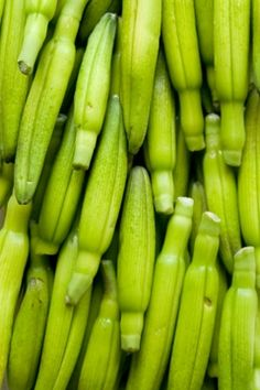 金針菜(キンシンサイ)英語名は、Dailily. Day+Lilyですから、まさに「一夜限りの花」を示しています。日本では、ノカンゾウやハマカンゾウなどの変異種を野原で見かけることがあります。和名を「わすれぐさ」(忘れ草)