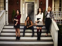 I like Spencer's outfit in this. i like Aria's as well. All of this.   25 Pretty Little Liar Fashions We Envy