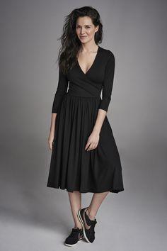 MASZ WIADOMOŚĆ black #riskmadeinwarsaw #black #dress #classy #style #inspiration #midi #dress #fashion #madeinpoland