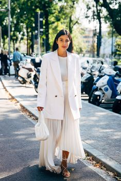 Fall Fashion Tips The Best Street Style at Milan Fashion Week Spring 2020 Trend Fashion, Fashion 2020, New York Fashion, Look Fashion, Spring Fashion, Fashion Outfits, Fashion Tips, Korea Fashion, Fashion Quotes