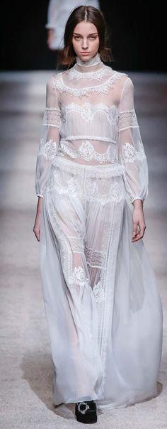 Alberta Ferretti Fall 2015 Style.com