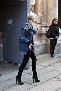 uggghh sooo cool. #KateLanphear in Paris.