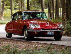 1972 Citroen DS: Still a source of design inspiration .- 1972 Citroen DS: Still a source of design inspiration – Citroen DS, SM – # Citroën - Retro Cars, Vintage Cars, Bmw Autos, Maserati Ghibli, Bmw I8, Car Photos, Amazing Cars, Car Car, Old Cars