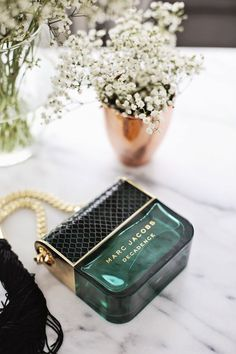 Marc Jacobs Decadence 450 designer and niche perfumes/colognes to choose from! <Visit> http://qoo.by/2wrI/