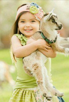 Baby goats, um yes! Precious Children, Beautiful Children, Beautiful Babies, Little People, Little Ones, Little Girls, Animals For Kids, Baby Animals, Cute Animals