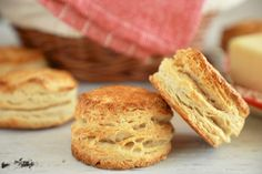 Easter dinner needs biscuits, and I have the Best-Ever recipe for Buttermilk Biscuits, perfect for your Easter Sunday! Get my Best-Ever Buttermilk. Flaky Biscuits, Homemade Biscuits, Buttermilk Biscuits, Buttermilk Recipes, Homemade Buttermilk, Homemade Breads, Best Biscuit Recipe, Slow Cooker, Bigger Bolder Baking