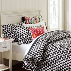 Pottery Barn Kids Ikat Dot Organic Duvet Cover and Pillowcases, Black