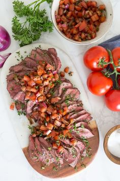 One of my favorite ways to make grilled steak in the summer. Topped with fresh chopped tomatoes, red onion, balsamic and oil. It's fresh and a great way to enjoy those end-of-summer tomatoes! Skinny Taste, Grilled Steak Recipes, Grilled Meat, Grilled Steaks, Grilled Vegetables, Clean Eating, Healthy Eating, Healthy Food, Paleo Recipes