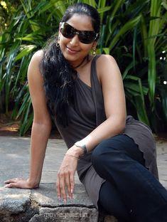 hot-actress-padma-priya-spicy-stills-6_650.jpg (650×862)