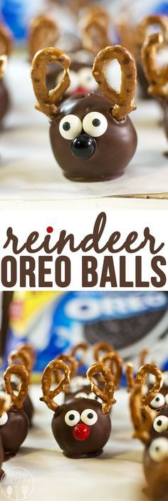 Reindeer Oreo Truffles - these delicious oreo truffles are decorated with pretze. - Christmas Desserts - Reindeer Oreo Truffles - these delicious oreo truffles are decorated with pretze. Holiday Snacks, Christmas Snacks, Christmas Cooking, Noel Christmas, Reindeer Christmas, Oreo Truffles Christmas, Christmas Candy, Christmas Chocolate, Christmas Dessert Tables