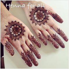 Simple mandala #henna #hands #hennaart #hennaparty #hennaartist #hennatattoo #hennadesigns #menhdi #art #artwork #mandala #wedding #weddinghenna #weddingmenhdi #bride #bodyart #details