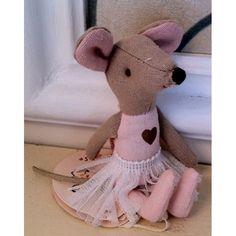 Ballerina Mouse  A sweet ballerina mouse for your litte dancer.   100% cotton. She measures 12cm   ...