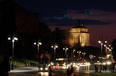 Rome By Night: Via dei Fori Imperiali con Altare della Patria sullo Sfondo