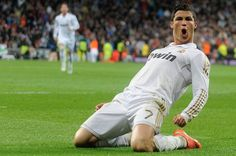 Cristiano Ronaldo, qui figure dans les listes des trois nominés pour le Ballon d'Or, empoche 2,54 dollars chaque seconde soit un peu plus de 2€ !