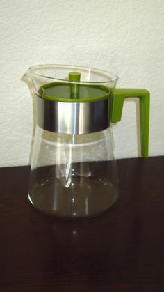 Vintage Pyrex Glass 8 Cup Coffee Tea Carafe Green Handle and Lid