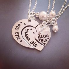 Big Sis, Middle Sis and Little Sis Friendship Necklaces For 4, Bff Necklaces, Best Friend Necklaces, Best Friend Jewelry, Best Friend Outfits, Best Friend Gifts, Gifts For Friends, Sister Necklace, Sister Jewelry