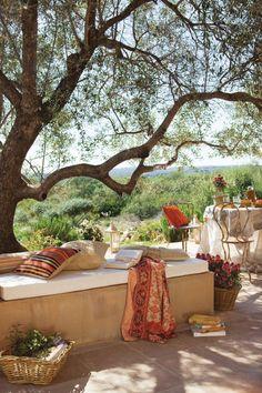 terrasse relaxen platz outdoor boho chic kissen decke