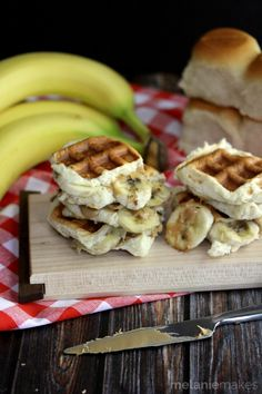 The King's Waffled Peanut Butter and Banana Sliders (Melanie Makes) Banana Waffles, Breakfast Waffles, Eat Breakfast, Waffle Sandwich, Sandwich Fillings, Slider Sandwiches, Sliders, Sweet Dinner Rolls, Waffle Maker Recipes
