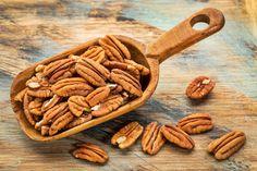 Едни от най-полезните #ядки на земята, орехите, действително могат да подобрят функцията на #мозъка. Проучванията показват, че консумацията на #орехи е свързана с по-добро сърдечно #здраве, както и намаляване на кожните #заболявания. Те са пълни с антиоксиданти, известни като елагова #киселина. https://biomall.bg/top-5-na-nai-zdravoslovnite-qdki