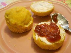 Petzi hat dieses leckere Kürbis-Birnen-Weckerl kreiert und damit das erste Kürbirne-Rezept zu unserem Oktober-Blogevent eingereicht!  Sieht das nicht lecker aus? Cheesecake, Muffin, Breakfast, Desserts, Blog, Pears, October, Amazing, Recipies