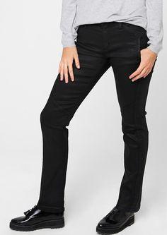 """Stretch-Jeans Stretch-Jeans aus Kunstleder. Abgewandelte 5-Pocket-Form mit Reißverschluss; extra Zipperfach vorn. Rockige Abnäher an den Beinen. Figurbetonte Passform Regular Fit (ehemals """"Gerade"""") mit leicht vertieftem Bund und schmalem Bein für eine normale Hüfte, einen flachen Po und normale Oberschenkel. Leichte, stretchige Kunstleder-Qualität. Leder-Optiken liegen derzeit hoch im Kurs und ..."""