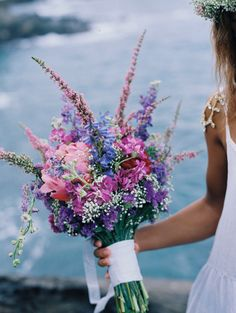 Purple and pink bridal bouquet | Wendy Laurel | see more on: http://burnettsboards.com/2015/03/colorful-maui-bridal-inspiration/