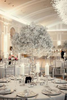 35+ Amazing Winter Wonderland Wedding Decoration Ideas #decoratingideas #decorations #decoratingtips