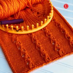 Loom Knitting PATTERNS : The Single Eyelet Lace Stitch Pattern Flat and in the Round Clockwise and Counter with Video Tutorial  | LoomaHat Loom Knitting Stitches, Knifty Knitter, Loom Knitting Projects, Chunky Knitting Patterns, Easy Knitting, Knitting Ideas, Loom Yarn, Yarn Needle, Textiles