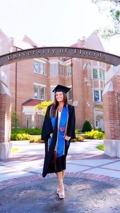 College Graduation Pictures, Graduation Picture Poses, Graduation Photoshoot, Grad Pics, Florida Gatora, Senior Year, Senior Pictures, Portraits, Photography