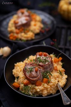 Pumpkin risotto with pork fillet wrapped in bacon Spicy Recipes, Italian Recipes, Beef Recipes, Pumpkin Recipes, Fall Recipes, Pumpkin Risotto, Pork Fillet, Pizza And More, Food Tent