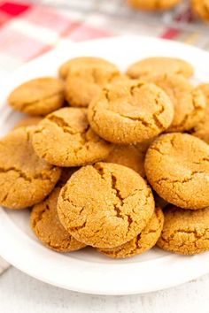 Ginger Snaps - Easy and Completely Homemade Best Homemade Cookie Recipe, Easy Cookie Recipes, Homemade Cookies, Yummy Cookies, Dessert Recipes, Desserts, Homemade Food, Top Recipes, Cookie Ideas