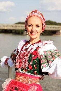 Slovak Dress Folk Costume, Costume Dress, People Of The World, Real People, Ukraine, Costumes Around The World, Unity In Diversity, Beautiful Costumes, Folk Fashion