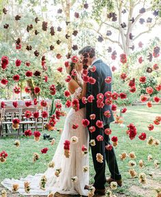 "14.2b Beğenme, 61 Yorum - Instagram'da Wedding Dream (@weddingdream): ""Take a look at the decoration right here! We are smitten by the flower curtain feature that brings…"""