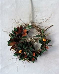 6 Holiday Wreaths
