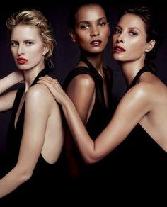 Donna Karan's Woman Perfume advertising campaign features models Karolina Kurková, Liya Kebede, and Christy Turlington Burns, each of whom has worked for causes such as women's health and children's welfare. Photo: Inez and Vinoodh Studio Photography Poses, Portrait Photography, Fashion Photography, Foto Fashion, Photoshoot Themes, Wale, Posing Guide, Beauty Shoot, Portrait Poses