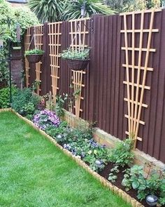 Small Garden Decoration Ideas on a Budget Backyard Garden Design, Small Garden Design, Landscape Structure, Landscape Design, Small Gardens, Outdoor Gardens, Privacy Fence Designs, Minimalist Garden, Front Yard Landscaping