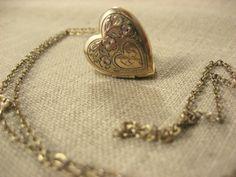 1930s 12K gold heart locket