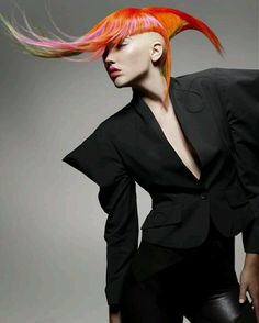 Avant Garde Hairdresser of the Year 09 Finalists' Collections Down Hairstyles, Straight Hairstyles, High Fashion Hair, Avant Garde Hair, Extreme Hair, Let Your Hair Down, Fantasy Hair, Hair Shows, Creative Hairstyles