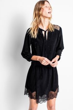 Zadig & Voltaire long-sleeved dress in silk jacquard with inlaid lace, bow to tie at the collar, smocked topstitching on the waist, cuffs and front, and an asymmetrical hem. 100% silk jacquard.