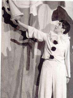 Erika Mann im Clownskostüm | Bild: Monacensia