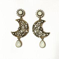 New Moon Drop Earrings $5.00 Available on http://ift.tt/1LcuHvr #earrings #jewelry #vintage #waterdrop #newmoon