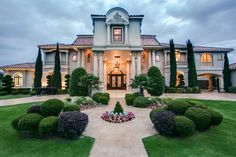 With killer curb appeal and jaw-dropping entryways, homes in this category make a lasting first impression. From the experts at HGTV.com.