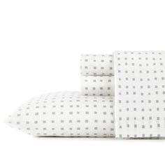 Break the cookie-cutter visuals of your bedroom with the geometric squares of the Penelope sheet set by City Scene. Subtle variations in the grey squares give the set a distinctive look that coordinates beautifully with any ensemble. Twin Sheets, Twin Sheet Sets, Cotton Sheet Sets, Bed Sheets, Percale Sheets, City Scene, Bedding Basics, Ellen Degeneres