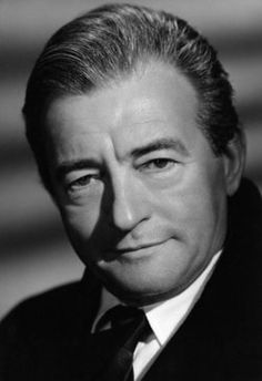 Claude Rains William Claude Rains, born in the Camberwell area of London, was the son of the British stage actor Frederick Rains. Hollywood Stars, Hooray For Hollywood, Hollywood Icons, Hollywood Actor, Golden Age Of Hollywood, Classic Hollywood, Old Hollywood, Hollywood Actresses, Old Movie Stars