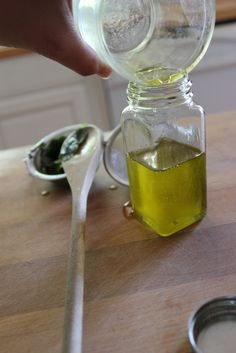 diy peppermint oil Herbal Remedies, Home Remedies, Natural Remedies, Peppermint Oil Uses, Coconut Oil Uses, Alternative Health, Garden Styles, How To Do Nails, Herbalism
