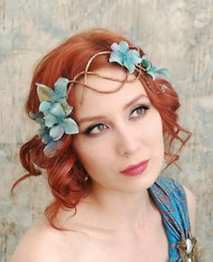ideas for fairy costume - hair halo crown Mermaid Crown, Mermaid Hair, Maquillage Halloween, Circlet, Bandeau, Headdress, Hair Pieces, Art Nouveau, Headbands