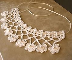 53 crochet flower patterns and what to do with them easy 2019 page 2 of 58 – Beautiful Leaves to Crochet - SalvabraniI think that a model that is contrary to ordinary knitting flower motifs will do a lot of work. I think that this crochet Col Crochet, Crochet Lace Collar, Crochet Lace Edging, Crochet Diy, Irish Crochet, Crochet Flowers, Crochet Stitches, Tutorial Crochet, Crochet Ideas