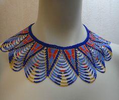 Très beau collier collerette en perles de verre, fabriqué en Afrique du Sud