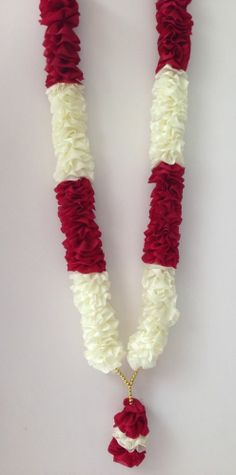 Wedding indian groom brides ideas for 2019 Flower Garland Wedding, Floral Garland, Wedding Flowers, Wedding Garlands, Flower Garlands, Wedding Mandap, Wedding Stage, Wedding Groom, Wedding Dresses